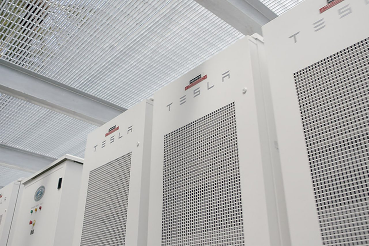 Array of Tesla Powerpacks at 20 Pacifica