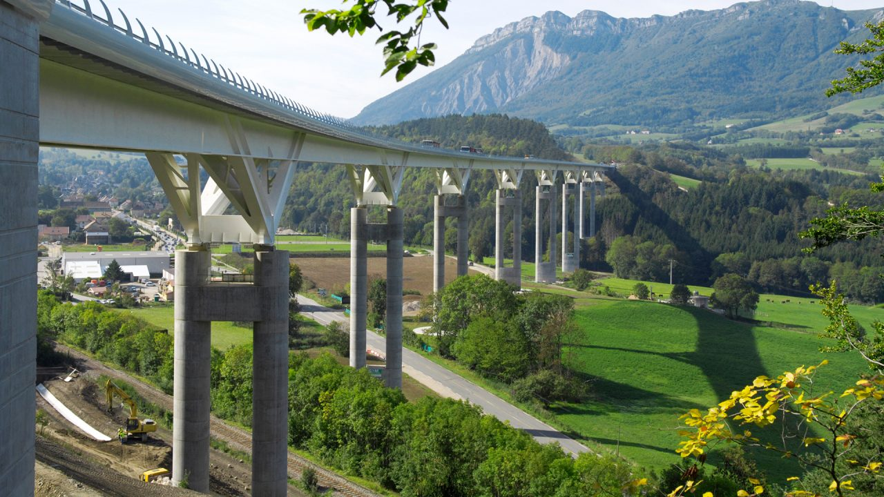 Developing key French transport infrastructure