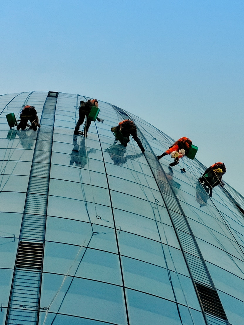 One Blackfriars window cleaners